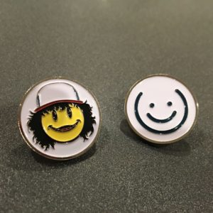 Dustin & White Smiley Pin Set